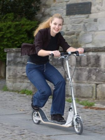 Swissroller Ch 174 All About E Scooter Currie Technologie